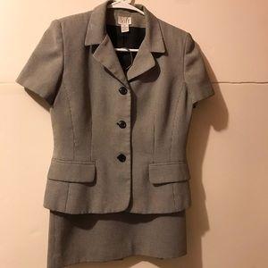 Ann Taylor skirt Suit set vintage for summer